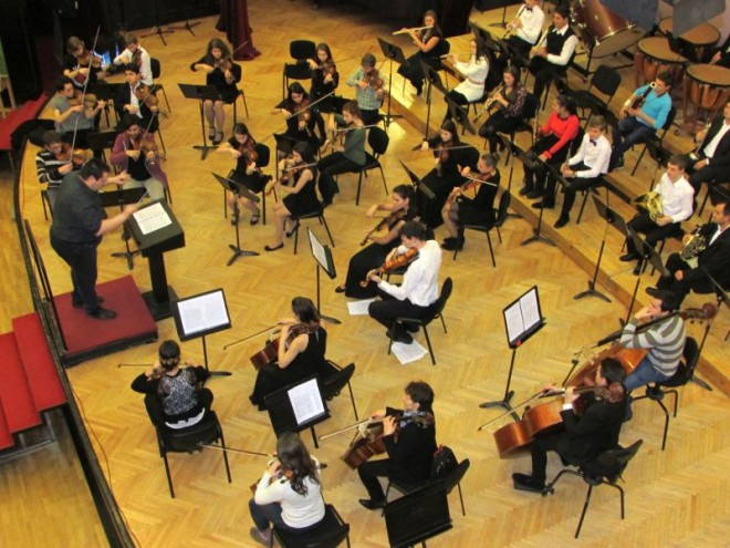 1-4 Orchestra Liceului de Arta_site