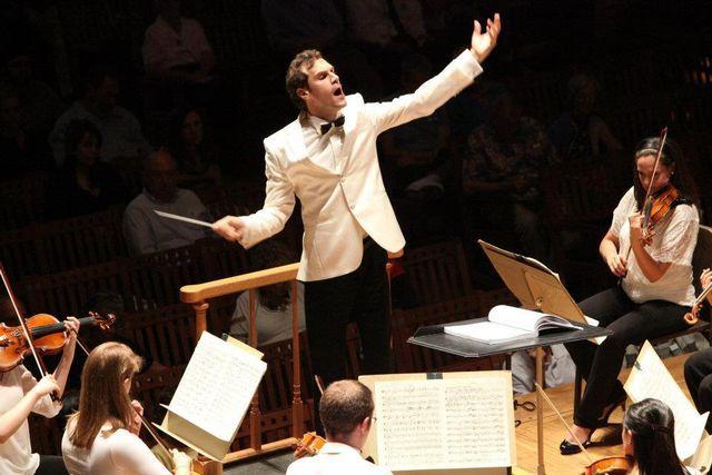 3 Vlad Agachi, dirijorul concetului de joi, 4 februarie