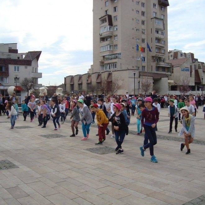 flashmob elevi