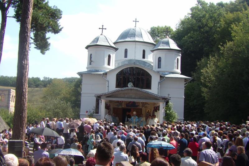 Sfânta Maria Mare, o sărbătoare foarte importantă pentru oamenii din zonă