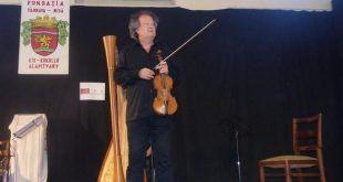 Directorul artistic al Academiei Sighișoara, violonistul Alexandru Gavrilovici, președintele Asociației Cultura Viva Sighișoara din Berna