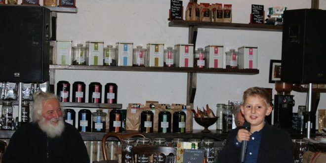 Lucian Simonică expoziția Fețe și trăiri la Atelierul de Cafea